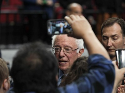 Competitive Caucus Creates Unusual Sight For Washington's Dems: Actual Presidential Candidates