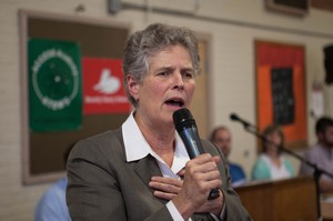 Portland Public Schools Superintendent Carole Smith responds to a parent asking her to resign.