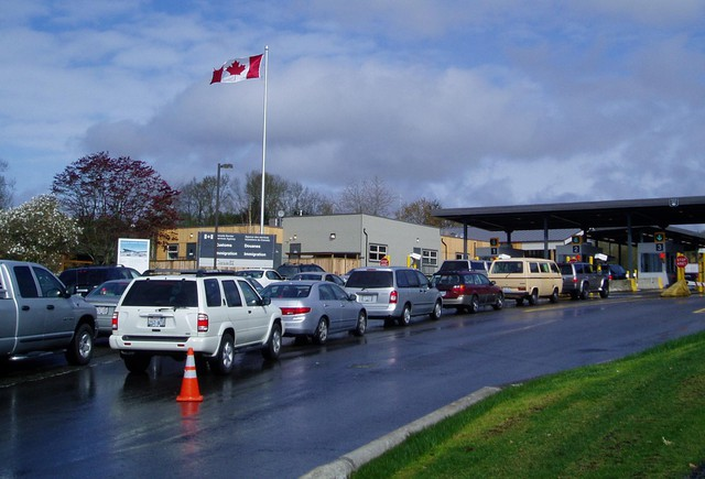 Canadians who cross the border to pick up e-commerce purchases have to plan trips at off-peak times or get a NEXUS pass to avoid waiting in long queues.