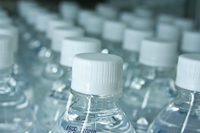 Hood River residents are fighting a plan by Nestle to collect and bottle water.