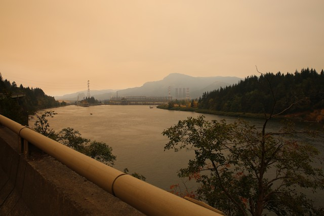 Smoke from the Eagle Creek Fire fills the air near the Bonneville Dam along I-84 on Sept. 14, 2017.