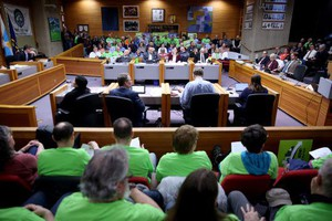 Hundreds pack the room during a Salem City Council meeting on Monday, Feb. 11, 2019. The council made a final decision Monday to not move ahead with plans to build a third bridge over the Willamette River.