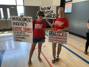 Members of the Oregon Chapter of Moms Demand Action for Gun Sense America showed up at Sunday's Town Hall with Sen. Ron Wyden.