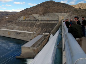 File photo of a group touring Grand Coulee Dam. Tribes and power planners are considering restoring salmon to the Upper Columbia Basin above the dam.