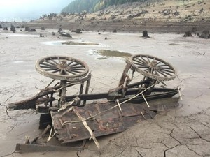 Marion County Sheriff's Deputy Dave Zahn found remnants of Old Detroit while the lake was at low levels due to drought.