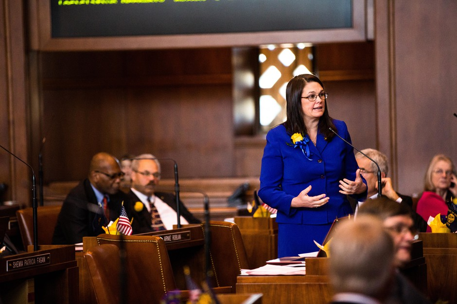 Oregon state Sen. Sara Gelser speaks on the floor of the Senate on Monday, Jan. 14, 2019, at the Capitol in Salem, Ore.