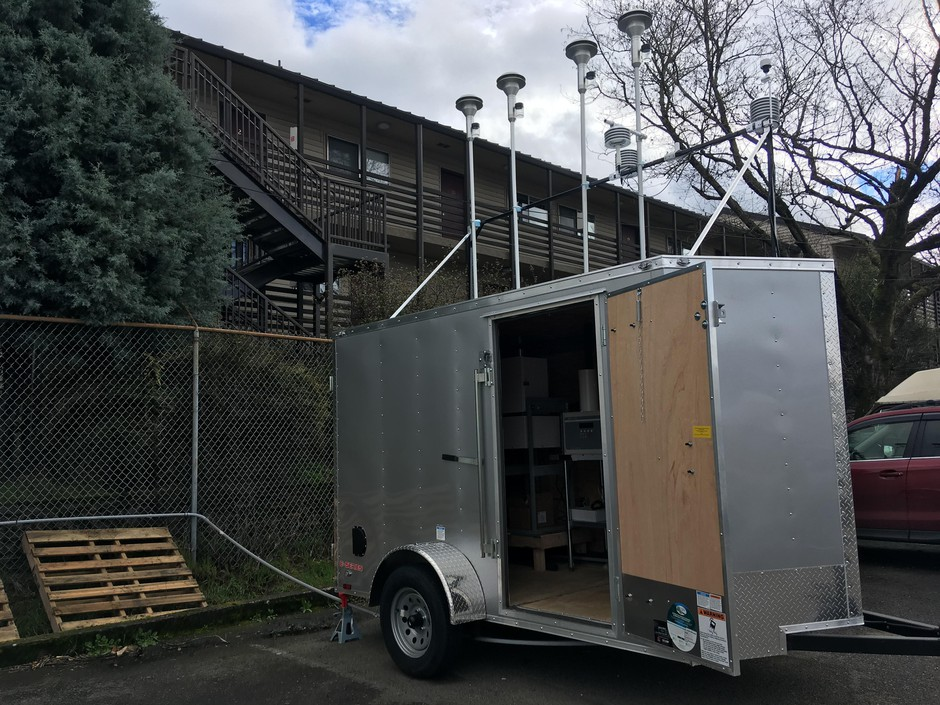 One of six air pollution monitoring stations is up and running about a mile away from the Bullseye Glass factory in southeast Portland.
