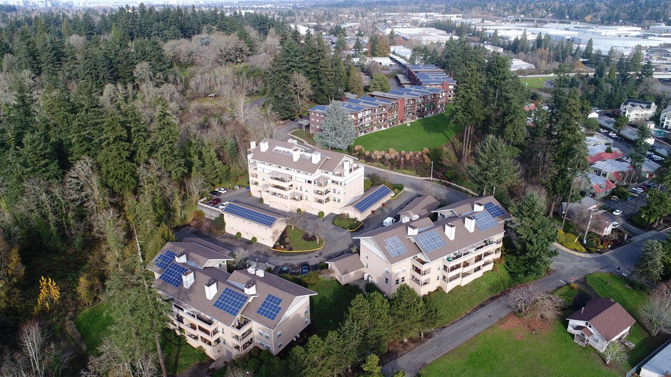 A new solar array at Waverly Greens apartment complex in Milwaukie is the largest solar project to be installed on multifamily housing in Oregon.