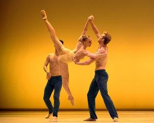Nicole Haskins dancing with Smuin Ballet.